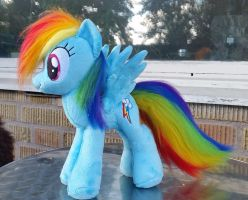 Rainbow Dash comission plushie by Epicrainbowcrafts