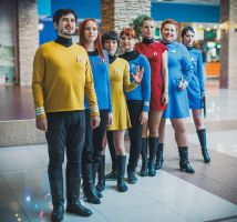 Starfleet officers  ( Star trek ) by xVenya