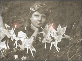 Frances and the Cottingley Fey by RikuShadow