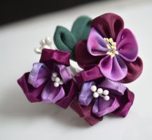 Purple Kanzashi by hanatsukuri