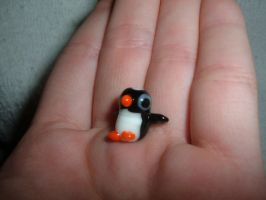 Lampwork Penguin by clarinetplayer