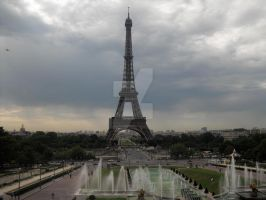 The Eiffel Tower by LunaticNate