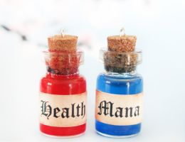 Health and Mana Bottle Potion Charms by janelleLOVESudon