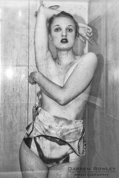 Shower Vogue by GagaAlienQueen