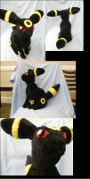 Umbreon Plushie by HottieHulio