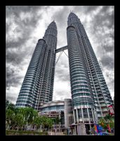 Petronas Towering by WiDoWm4k3r