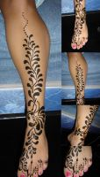 leg henna tattoo by finavearainside