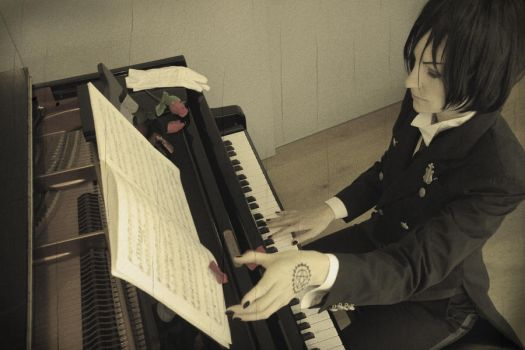 Sebastian Michaelis - Playing piano by RomaiLee