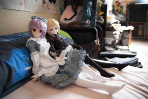 Relaxing Dollfies by aquazure