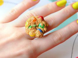 MM's or Smarties Cookie Ring by Madizzo