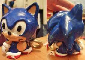 Sonic The Munny by MeowMowRaa