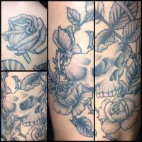 Black and Gray skull and roses by Drewgovan