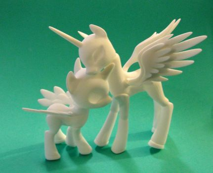 Princess Celestia Ball jointed pony base by silverbeam