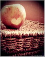 Apple in love... by c-time