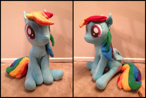 Rainbow Dash, but smaller than the previous one by LumenGlace