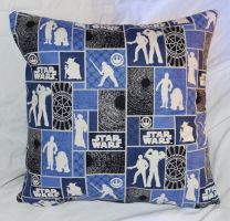 Star Wars Pillow 2 by quiltoni