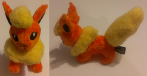 Flareon by ballerbandgeek