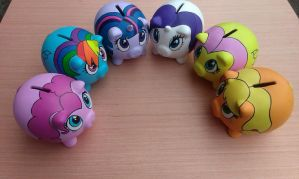 Mane 6 Piggy Banks by FuzzBird