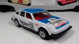 Corgi 1977 Rover 3500 (SD1) by craftymore