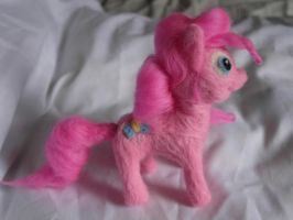 Pinkie Pie needlfelt by Akki14