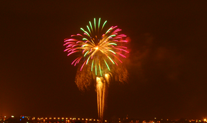 Fireworks at Sea World by stephuhnoids