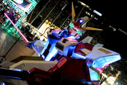 Star Build Strike Gundam Cosplay by Clivelee