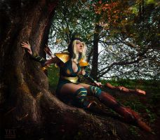 Sherwood Forest Ashe Cosplay: Avarosa guide me by Hanuro-Sakura