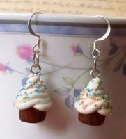Chocolate Cupcake Earrings by Cuddlebugeeshi