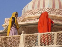 yellow and red at amer fort by im-buni