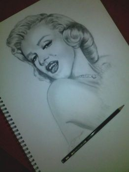 Marilyn Monroe by Soulbound22