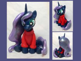Luna w/ Customizable Sweater by CadmiumCrab