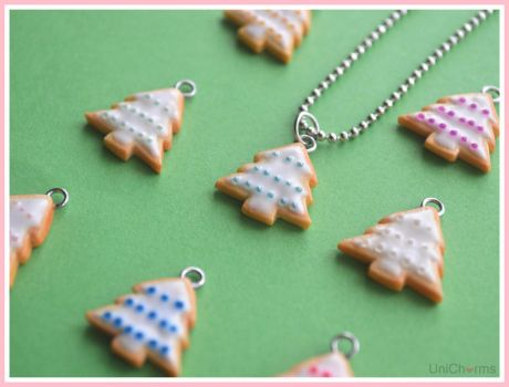 Christmas Tree Cookie Necklace by Unicharms