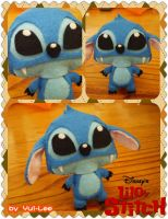 Felts craft: Stitch plushies by Yui-Lee