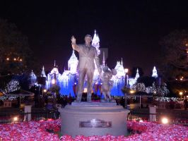 The Statue at Night by bowencormac