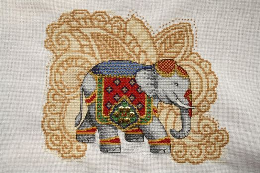 Elephant, large, WoXS issue 206 by StitchingDreams