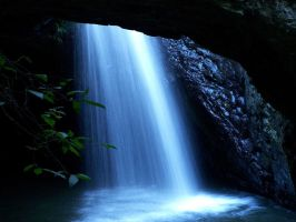 waterfall time exposure by pantsonnos