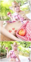 Sweet Apples, Anyone? by mikuen-drops
