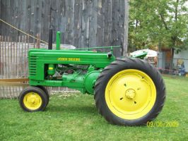 Green John Deer Tractor by Musicislove12