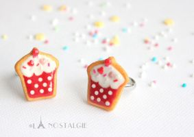 Cupcake jewelry sugar cookies red white by LaNostalgie05