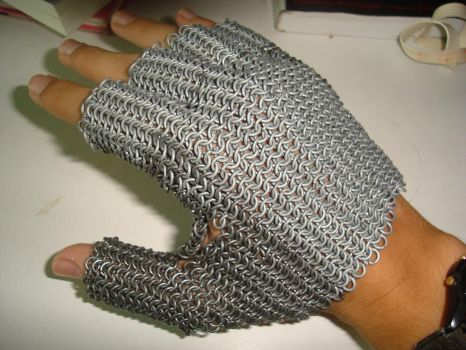 Chainmail Glove by alanbecker