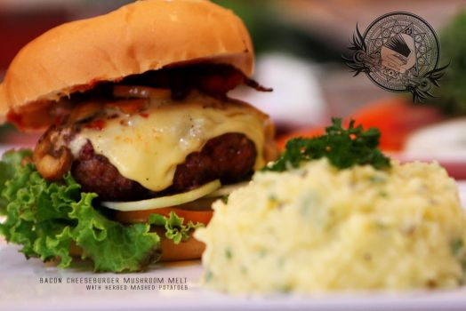 Bacon-Mushroom Cheeseburger by Foodtrip