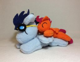 Soarin and Scootaloo beanie plushies by Bewareofkitty