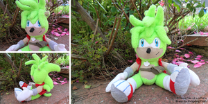 Manic the Hedgehog Plushie by LiChiba