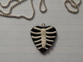 Skeletal Heart by KawaiiCollectables