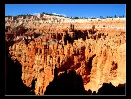 Bryce canyon in the am by tonyeck
