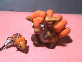 Vulpix Mother and baby by Mirera