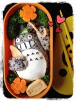 My lunch Totoro by loveewa