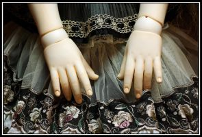 Charlotte's Hands by fiathriel