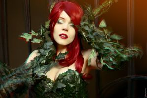 Hold Me, Thrill Me, Kiss Me, Kill Me ~ Poison Ivy by magmasaya