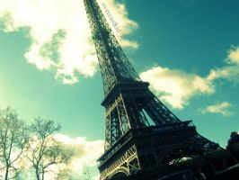 Eiffel Tower VII by overcastkid-x